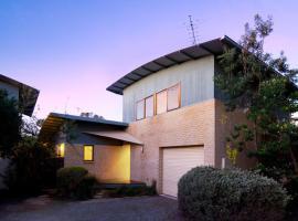 Heather's House by Great Ocean Stays, Ocean Grove