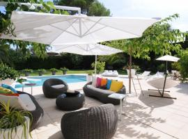 Design and Luxe Mougin Summer Villa, Vallauris
