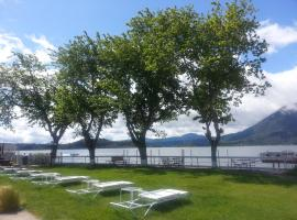 Lake Place Resort, Glenhaven