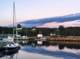 Gillies by the Sea B&B, Port Hood