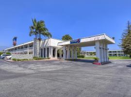 Motel 6 Claremont, Claremont