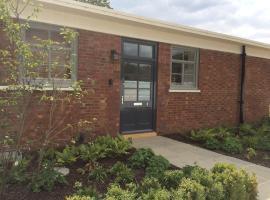 Quarters Living – 2 Building 20, Bicester