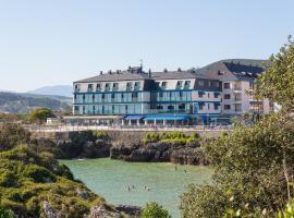 Hotel Astuy, Isla