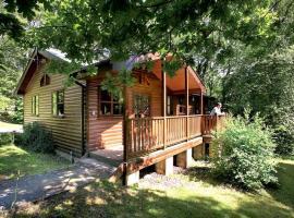 Woodland Lodges, Llangynin