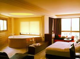 Aphrodite Hotel, Ţabarjā