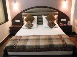 OYO Rooms Dwarka Sector 12 Metro Station, Нью-Дели