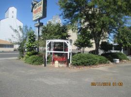 Top Hat Motel, 릿츠빌