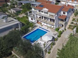 Villa Lana Apartments, Tisno