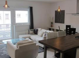 Mulberry Vacation Apartment, Renfrew