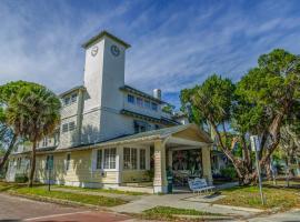 The Historic Peninsula Inn