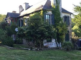 Villa Route de Brouel, Locmiquel