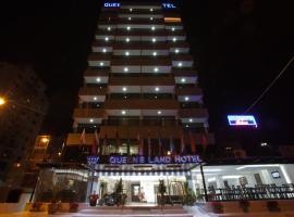 Queens land hotel, Джуния