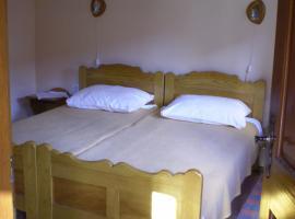 Apartments Iža Na Trem, Čigoč