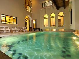 Villa Rouge Rooms, Bet H̱ananya