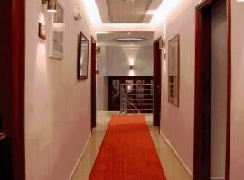 Hotel Avra, Kardica