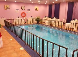 Al Thuriah Hotel Apartment, Al Khuwayrīyah