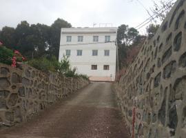 Del Pino Hostel, Teror