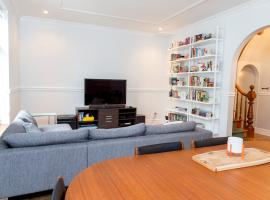 Two-Bedroom Apartment Rue Coursol