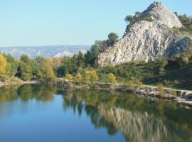 Camping de la Vallée Heureuse, Orgon