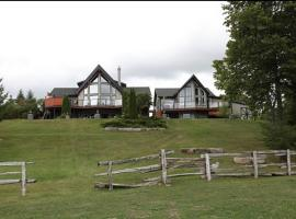 Kawartha Estate Cottage on Pigeon Lake, Gannon Village