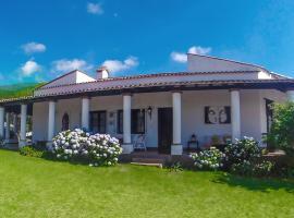 Antigua Sala, Villa San Lorenzo