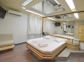 Lamour Motel