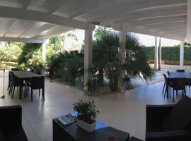 Rescio's Rooms, 카발리노