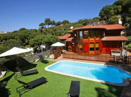 Holiday Home FINLANDIA NÓRDICA 12 + 4 Pax, Mataró