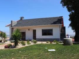 Holiday Home The Hillside House, Gamelas