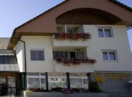 Hotel Rössli, Busswil