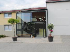 Helmers Gästehaus, Gempfing