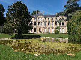Chateau des Chevaliers de Grand Tonne, Sainte-Croix-Grand-Tonne