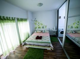 Bucharest's Pearl - The Explorer's Downtown Cabin