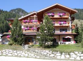 Hotel Dolomites Inn, Canazei