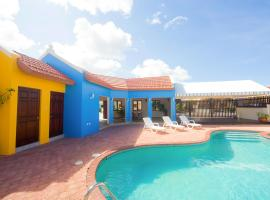Cunucu Villa with Private Jacuzzi, Soledad