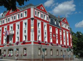 Hotel Strauss, Hof