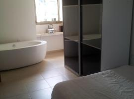 Beautiful Apartment Barnea, Ashkelon