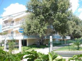 Hotel Nestor, Toroni