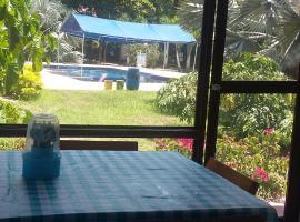Las Brisas, Guamo