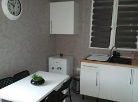 Appartement Charmant Bord Du Canal, Plombières-lès-Dijon