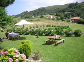 Hotel Migal, Cue