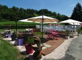 "Camping ""A l'Ombre des Tilleuls"", Peyrouse"