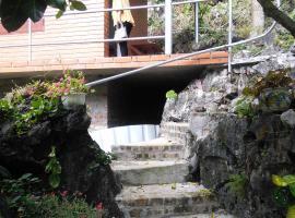 Hospital Cave Hostel, Cát Hải