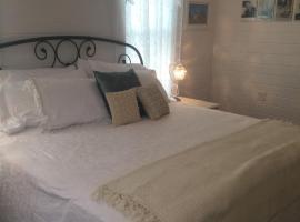 Hye-Way Haus Bed & Breakfast, Hye