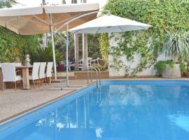 Sharon Beach Villa, Herzelia