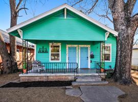 East Austin Bungalow Home, Austin