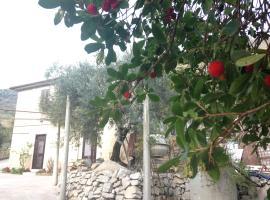 Villa Del Maestro, Lenola