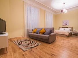 Pastorius City Center Apartment