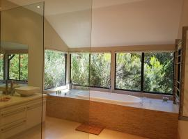 Jarrah Grove Forest Retreat, Rosa Glen