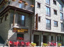 Apartaments Bonet, Pal